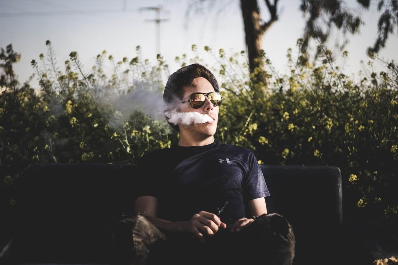 Arrêter le tabac avec des e-liquides à base végétale